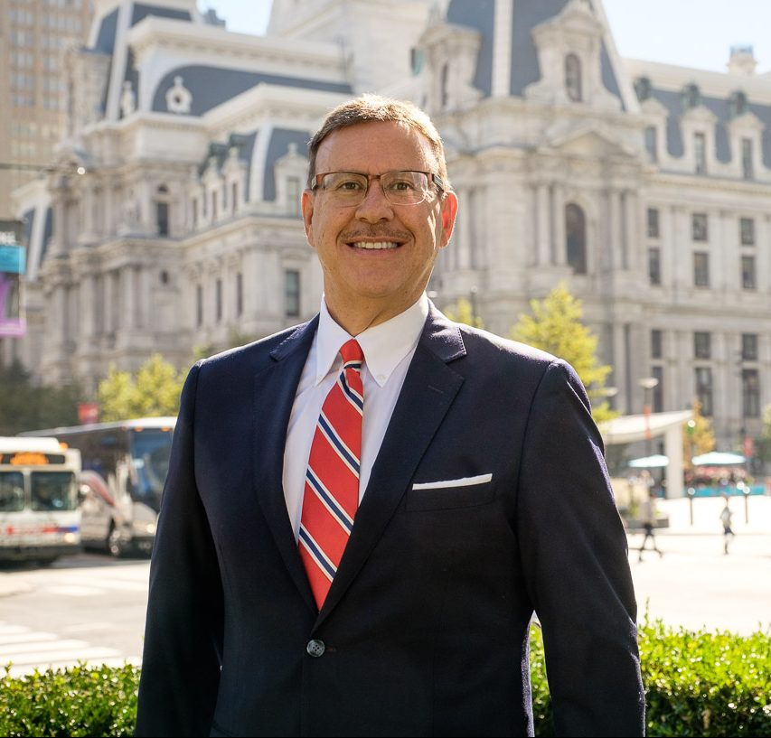 PA & NJ Personal Injury Lawyer Rand Spear, Esq. in front of Philadelphia's City Hall