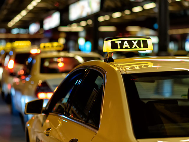 line of taxis in philadelphia